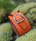 Cuff bracelet taurillon leather, orange