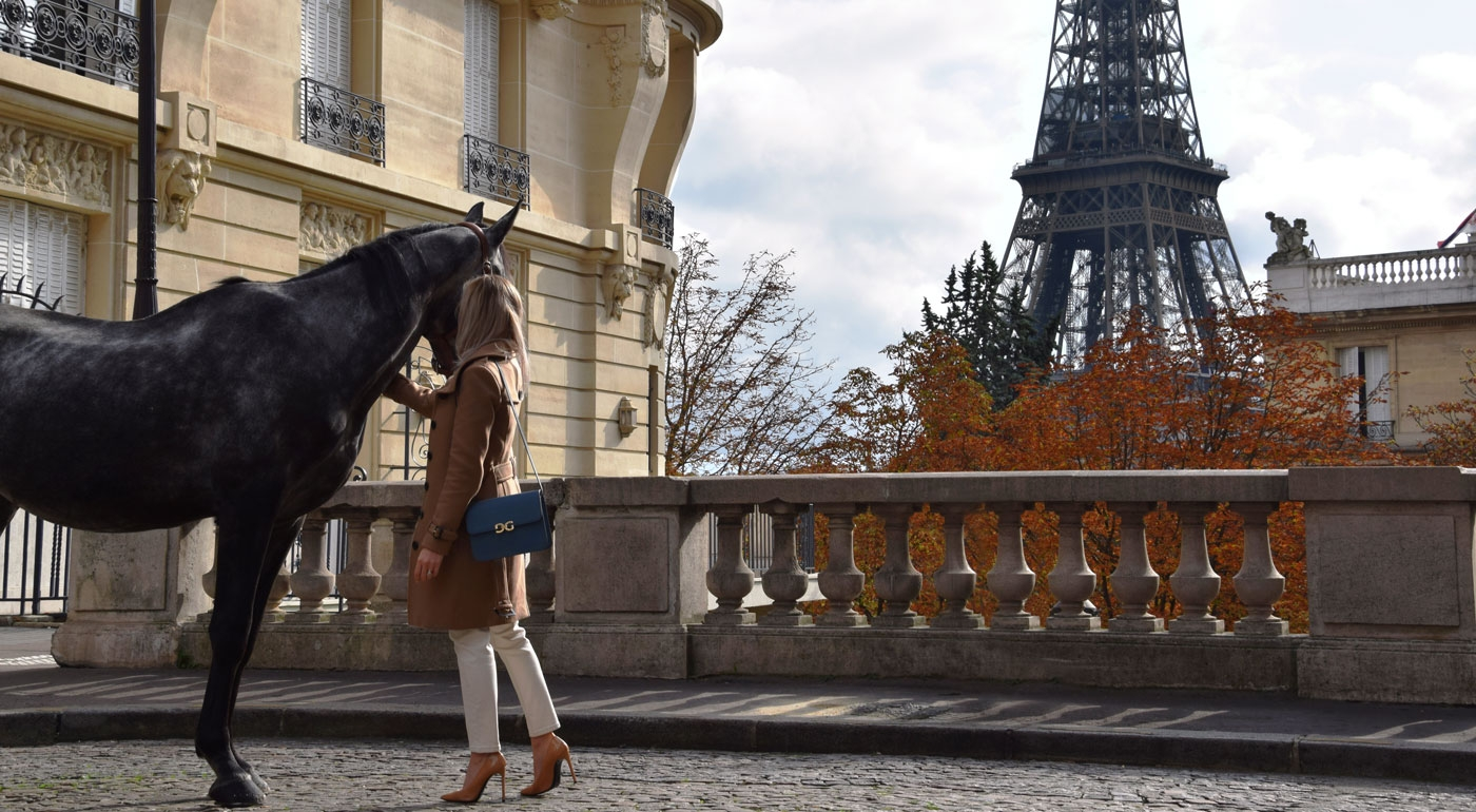 Guibert Paris, from saddlery to leather goods, the elegance of luxury leathers enhances a handmade craftmanship made in France.